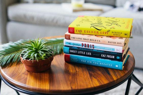 کتابهایی که داستان خود را در یک شبانهروز روایت میکنند