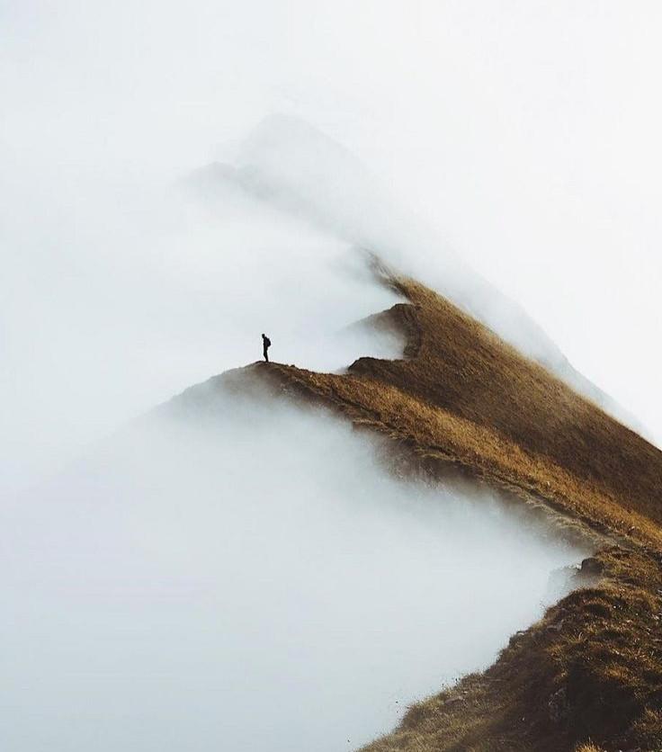 هیچ دوستی به جز کوهستان