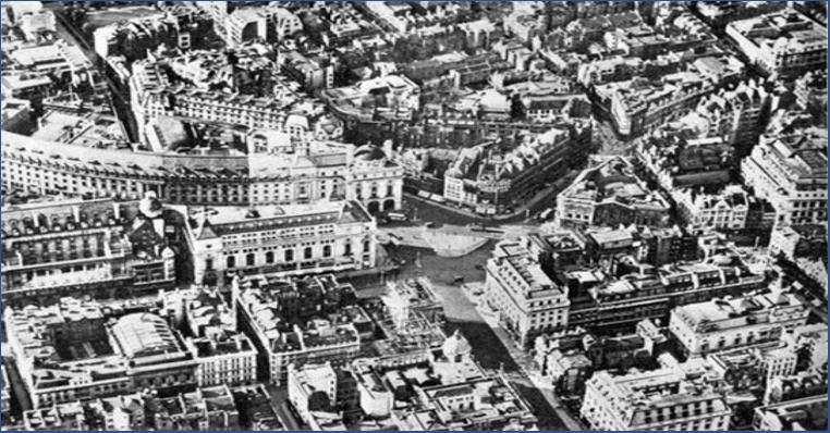 میدان پیکادلی در دهه 1930