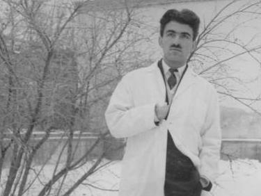 غلامحسین ساعدی در رشته پزشکی تحصیل کرد