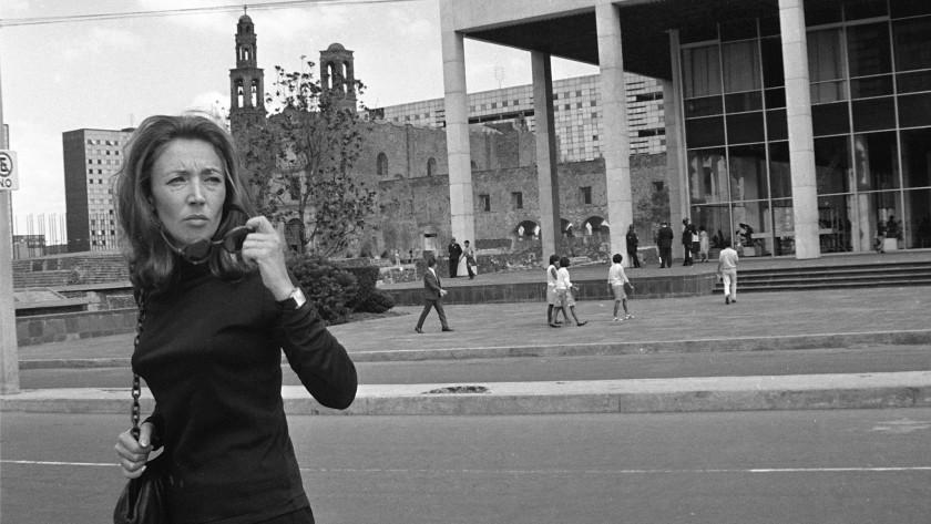 اوریانا فالاچی روزنامه نگار ایتالیایی در مکزیکوسیتی سال 1968