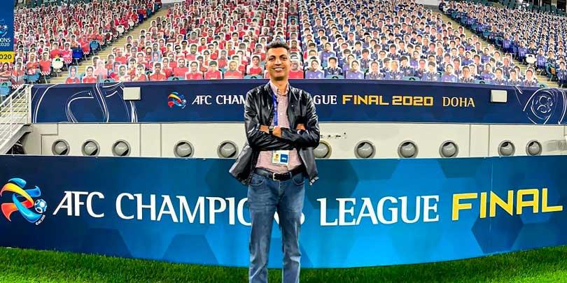 عادل فردوسی پور در قطر برای گزارش فینال لیگ قهرمانان آسیا