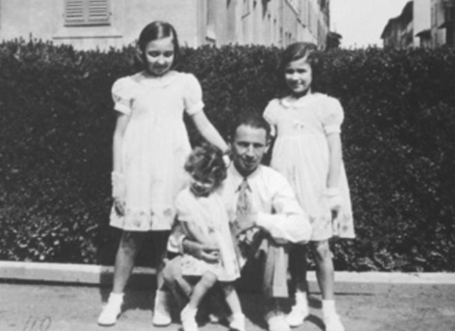 کودکی فالاچی به همراه پدرش و خواهرانش