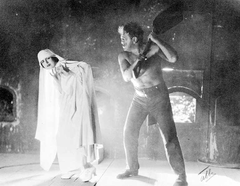 نمایشنامه گوریل پشمالو سال ۱۹۲۲