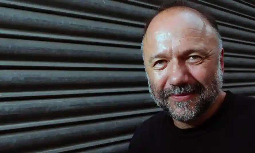 آندری کورکوف نویسنده مرا به کنگاراکس نبر